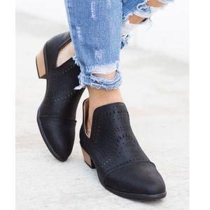 TRISH🖤 cutout suede booties black tan low heel